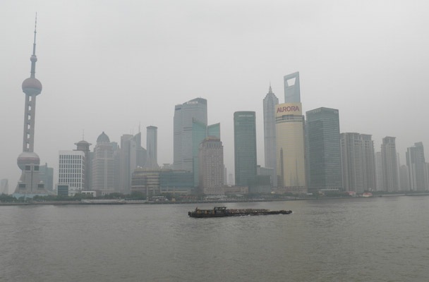 Wandeling over the Bund Shanghai