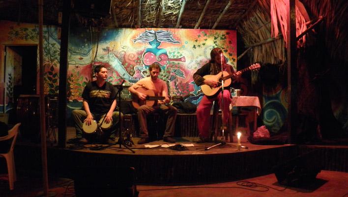 Jungledorp met hostels in Palenque