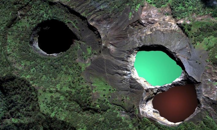 Kleurige Kratermeren Kelimutu