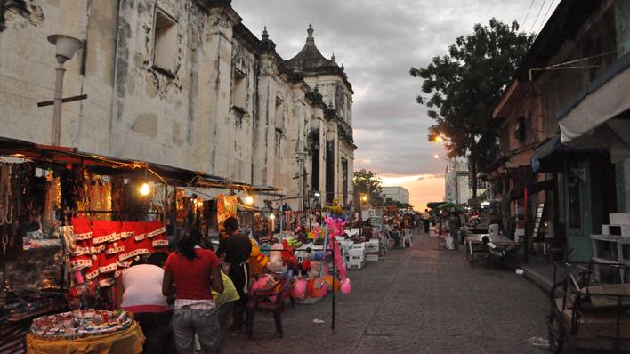 Nightmarket in Leon
