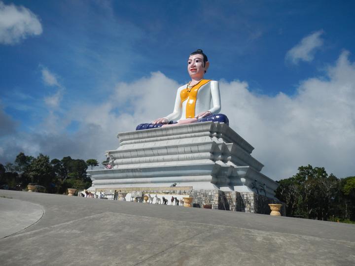 Witte Buddha Kampot