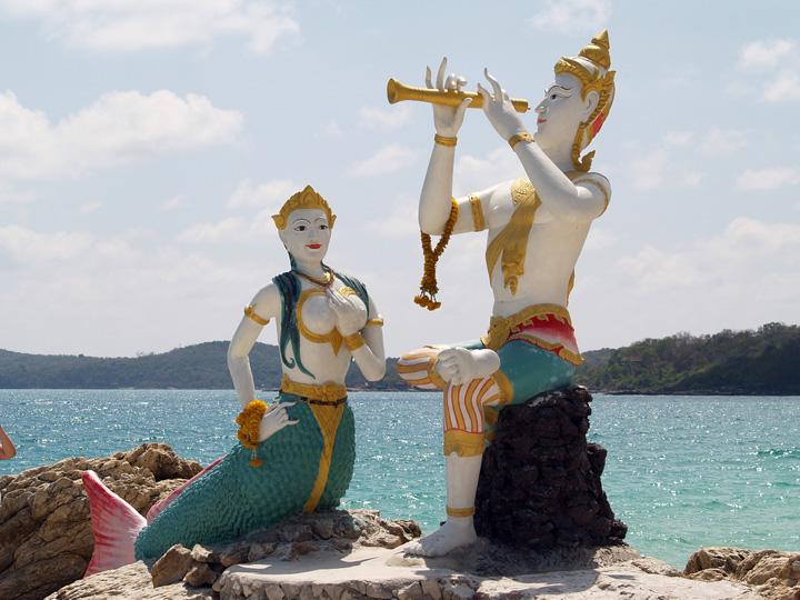 Koh Samet standbeelden strand