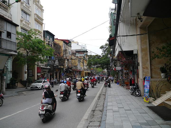 straatbeeld van Hanoi